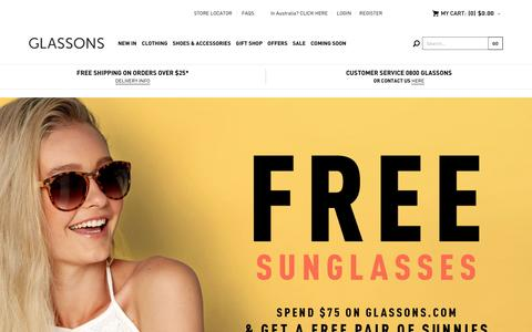 Screenshot of Home Page glassons.com - Glassons - Womens Fashion - captured Dec. 1, 2015