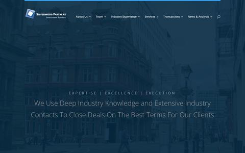 Screenshot of Home Page silverwoodpartners.com - Silverwood Partners | We Use Deep Industry Knowledge and Extensive Industry Contacts To Close Deals On The Best Terms For Our Clients - captured Sept. 21, 2018