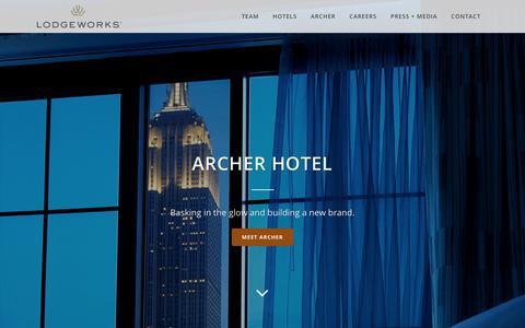 Screenshot of Home Page lodgeworks.com - Hotel Management Company - LodgeWorks Partners, L.P. - captured Aug. 31, 2017