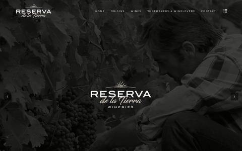 Screenshot of Home Page reservadelatierra.com - Reserva de la Tierra – Wineries, Winemakers & Winelovers - captured Sept. 24, 2018