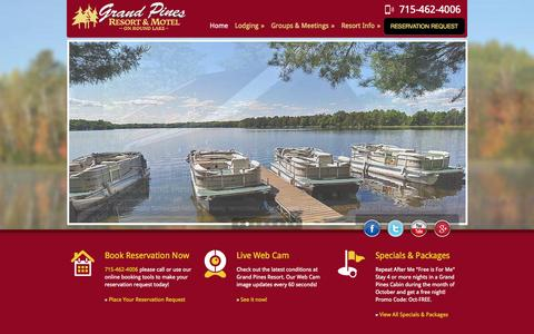 Screenshot of Home Page grandpines.com - Grand Pines Resort | Hayward, Wisconsin Resort | Lodging in Hayward, WI | Vacation Cabins, Motel & Convention Center - captured Oct. 3, 2014