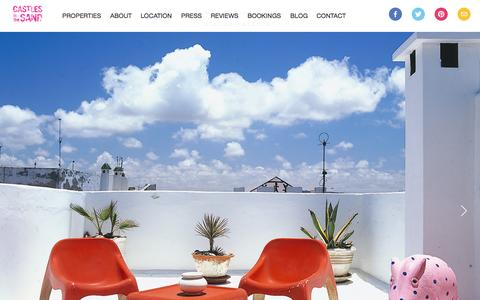 Screenshot of Home Page castlesinthesand.com - Castles in the Sand - Boutique luxury holiday villas to rent in Essaouira, Morocco. - captured Sept. 29, 2014