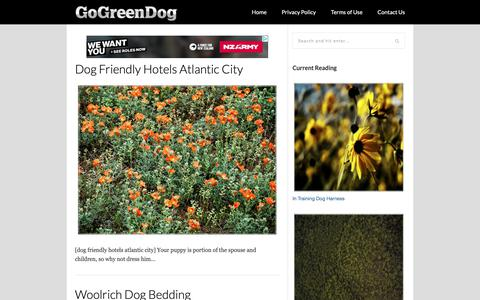 Screenshot of Home Page gogreendogbeds.com - Go Green Dog Beds - The Best Things Start With The Greens - captured Sept. 30, 2018