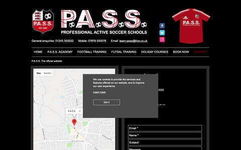 Screenshot of Contact Page pass-soccer.com - HOLIDAY COURSES - captured Oct. 30, 2018