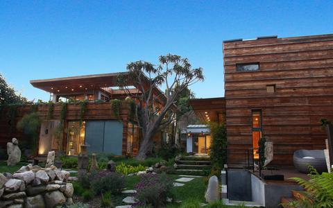 Screenshot of Home Page sorensenarchitects.com - Sorensen Architects, Inc. - Rustic Oasis - captured Oct. 6, 2014