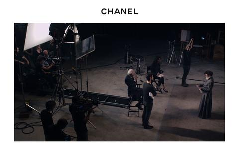Screenshot of Home Page chanel.com - CHANEL Official Website - captured Dec. 1, 2015